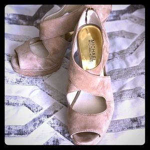 Michael Kors taupe suede heels